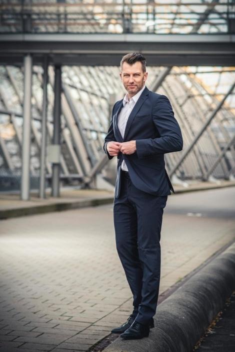Businessfoto   Mann   Anzug   Portraitfotograf